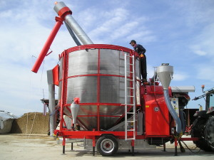 Идея для сельского бизнеса: зачем нужна мобильная зерносушилка